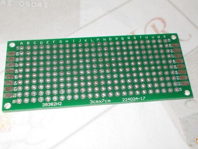 Csupalyuk, 2 oldalas, lyukgalván NyÁK lap (3cm*7cm)
