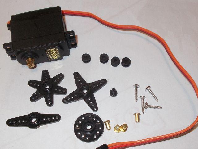 Normál servomotor (MG995, műanyag áttétel)