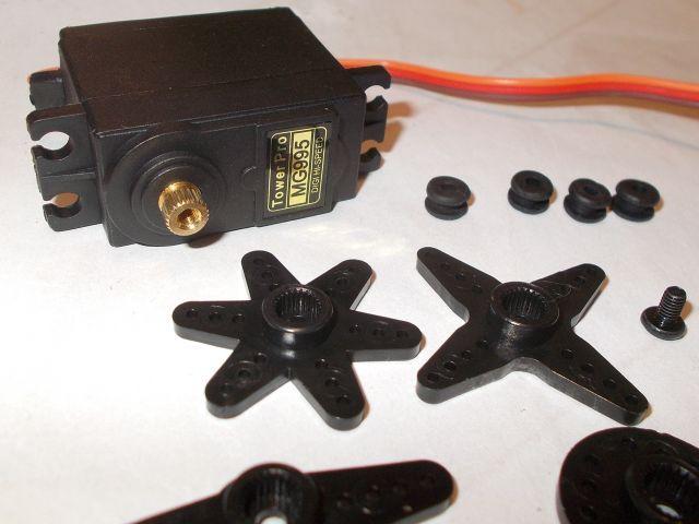 Normál fém/golyóscsapágyas servomotor (MG995)