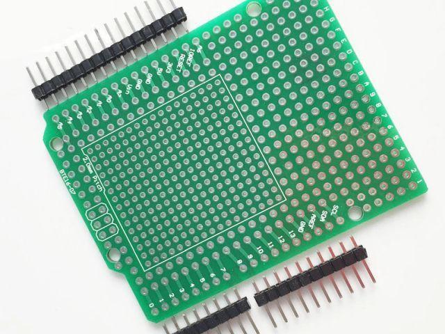 Csupalyuk shield (Proto shield, zöld; belső 2mm lyuktávolsággal)
